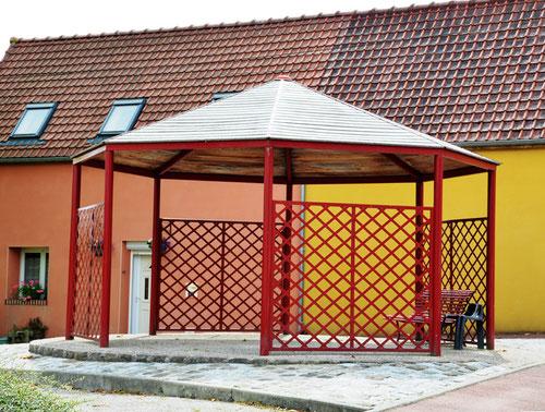 Au village de Surcamps: 72 habitants- Canton de Domart-en-Ponthieu