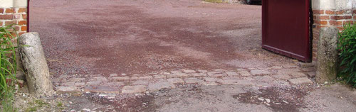 Lucheux- Entrée de la Mairie