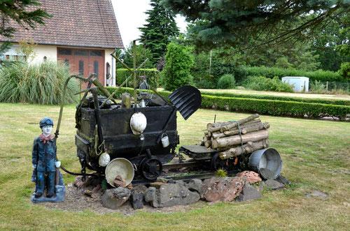 Un tander dans le jardin- Crécy-en-Ponthieu- Hameau de Caumartin