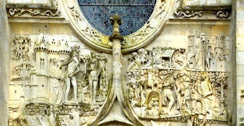 Détails de la façade de l'église Saint-Pierre de Mailly-Maillet