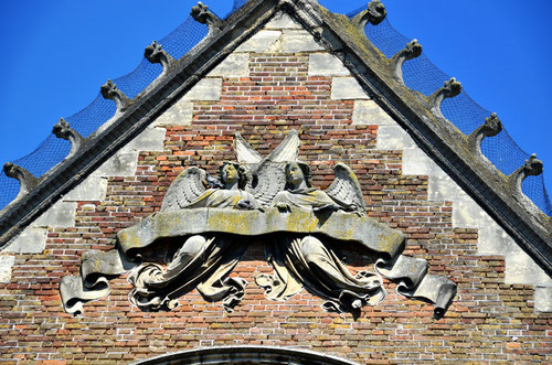 Rue de l'Oratoire- Le haut du pignon de la chapelle- Amiens