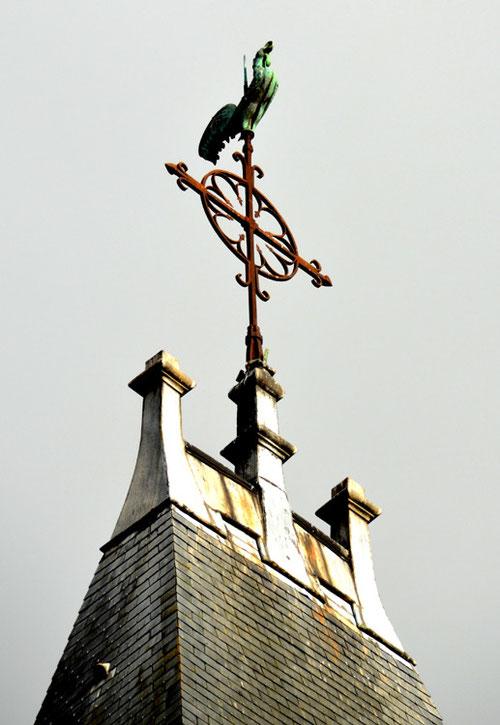 La croix du clocher de l'église Saint-Sépucre de Montdidier