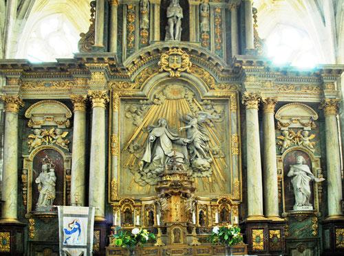 Feuquières-en-Vimeu- Eglise Notre-Dame: autel et retable