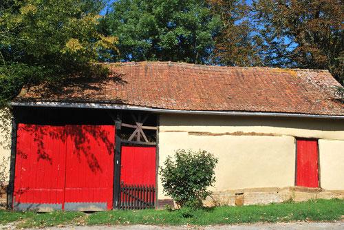 Façade entière de la petite ferme à Villeroy- Canton de Oisemont