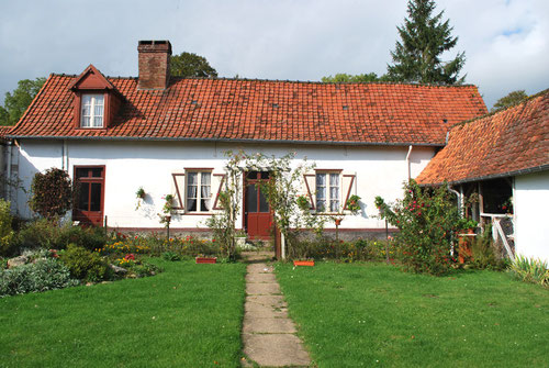 Mons-Boubert- Façade de maison rurale