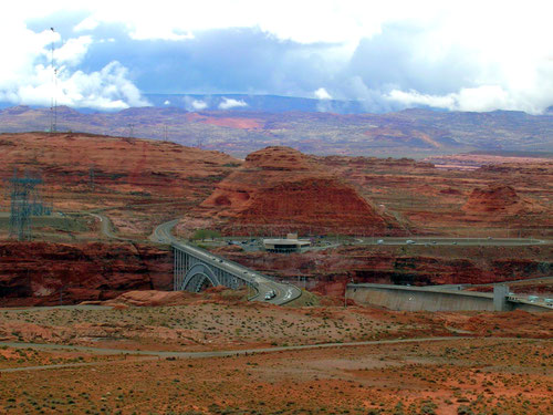 Glen Canyon Dam und Brücke
