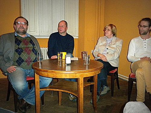 von links nach rechts: František Schildberger, Jan Hanák, Hanna Zakhari, Jaroslav Ostrčilík