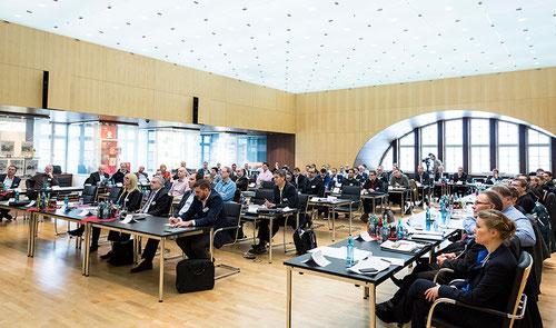 Der Seminartag des 12. Kamingesprächs fand wieder in den Konferenzräumlichkeiten der Dr. Oetker Welt statt