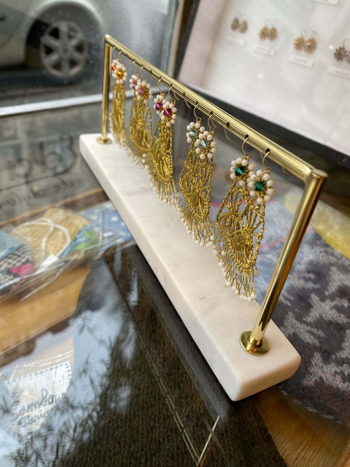 Versions : Gold, Nacre Beads x Crystal of Swarovski