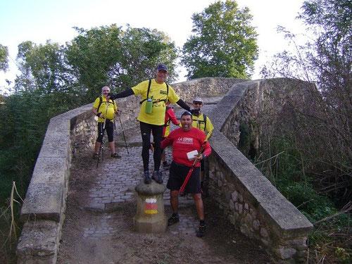 Los primeros en llegar al pont vell del bruguer ya estaban celebrándolo