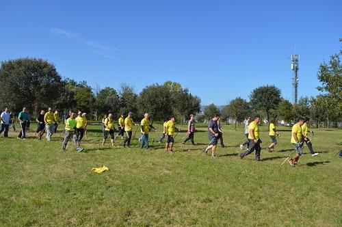 jugando con la velocidad, dos grupos hombres y mujeres a ver quien era más rápido