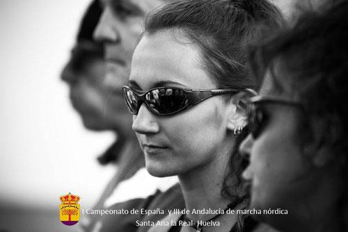 Sandra, concentrada poco antes de la salida de este su primer campeonato  nacional de marcha nórdica