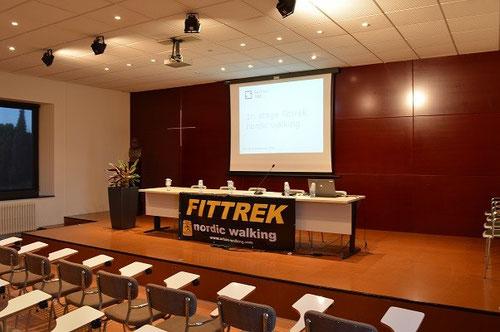 08.00 horas, Salon de Actos del Hotel El Seminari, todo preparado
