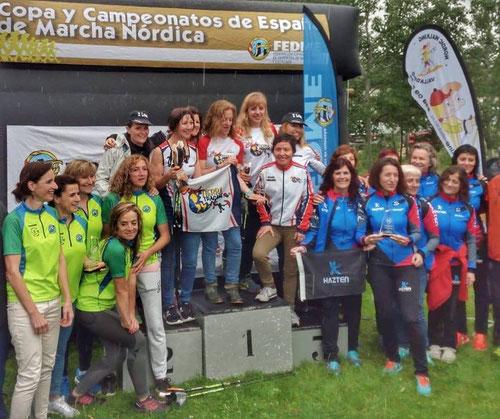 Equipos campeones año 2018, entre ellos muchos instructores e instructoras FITTREK