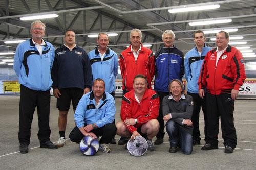 ... die Fleißigen Lehrgangsteilnehmer mit dem Bundestrainer in der Stocksporthalle Krieglach