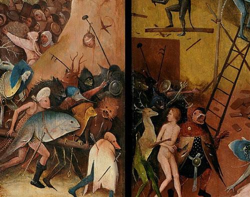 Detalle carnavalesco del demonio en forma de bestiario románico, mundo fantástico recreado por seres diabólicos que arrastran a todos al infierno.
