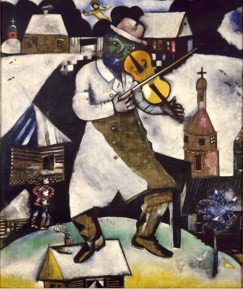 El violinista.11912-13. Stedelijk Museum,Amsterdam. El artista vuelve una y otra vez a los recuerdos de su Rusia natal. El violín única nota colorista de ritmo endiablado.