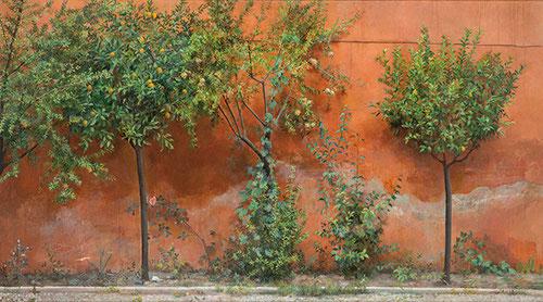 Isabel Quintanilla.Jardín 1966.Óleo sobre tabla,122x227cm.Colección privada.Una ambiciosa composición pintada en la Academia española en Roma,muro rojo,blanquecino de humedad llena todo el fondo del cuadro de un viejo muro con frutales,granados,naranjos..