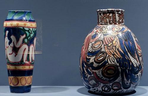 A partir de 1906 Vollard, fiel a su estrategia comercial animó artistas fauves a fijar su atención en la cerámica, composiciones sintéticas, desnudos danzas arcádicas...