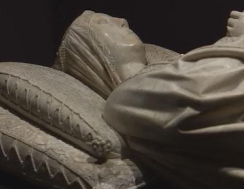 Efigie en alabastro de Dña Mencia Alvarez de Toledo, duquesa de Alburquerque, San Francisco de Cuellar, Segovia.1498. Fue esposa de D.Beltran de la Cueva, primer duque de Alburquerque, valido de Enrique IV.