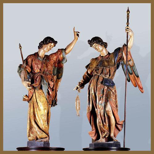 El arcángel San Gabriel y San Rafael. Gregorio Fernandez, hacia 1606..Constituyen el penúltimo escalón de la jerarquia celestial. Con destino al retablo mayor de la Iglesia parroquial de san Miguel en Valladolid. Belleza y movimiento de curvas.