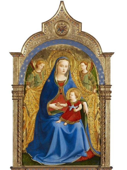 Virgen de la granada o Virgen con Niño y dos ángeles.Beato Angélico.1426.Colección Duques de Alba.Óleo sobre tabla.La parte superior, arqueada en forma ojival, truncada y encajada,  en marco moderno SXIX. Pero sorprende su belleza emocional y espiritual.