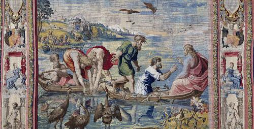 Y serás pescador de hombres...según el evangelio de San Lucas 5, es el preciso momento en que las escorzadas posturas se asemejan a las obras de Miguel Ángel.