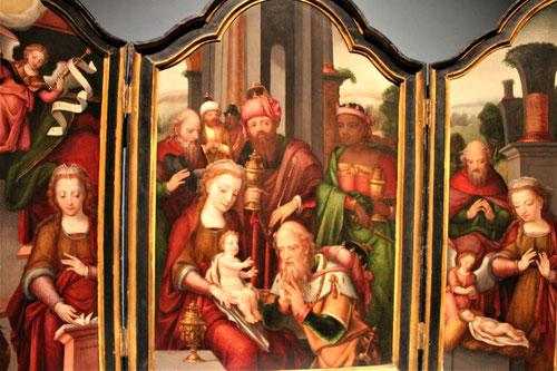 Pieter Coocke van Aelst y su taller.Hacia 1540-50.Óleo  sobre tabla.La Adoración de los Magos,La Anunciación y la Natividad.El carácter colaborativo de los gremios.La religión encuentra su Verdad en la Fe y la creencia, para ello hay que contextualizarla.