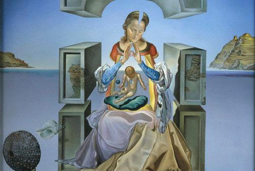 """Obra maestra  con tendencias clásicas, donde S.Dalí demuestra su extraordinario talento...Intentar dibujar el perfil de María como """"perfecta creyente"""" es remontarse a la Historia de la Salvación."""" Bienaventurada Tú porque has creído.""""Marquette University."""