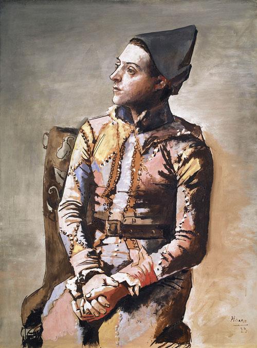 El arlequín para Picasso fue seña de identidad junto a su gusto por el ballet y las artes escénicas. Dibuja los contornos del personaje con líneas para definir sombras y volúmenes.Por su composición y estilo nos introducen en su etapa crítica.