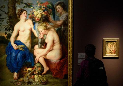 En el taller de Rubens no faltan las Tres Ninfas con el cuerno de la abundancia en Oslo,cuyo boceto permanece en Londres. Son  una bella expresión del ideal de belleza femenina de Rubens en aquella época,la redondez de las formas es sello de artista