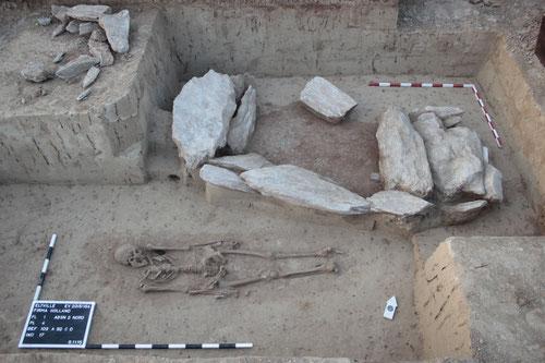 freigelegte frühmittelalterliche Bestattung bei Eltville im Rheingau