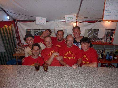 Das erfolgreiche Bar-Team vom Samstag Abend