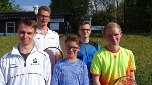 Aufstellung der U 18 am 22.05. von links nach rechts: Jonas Enste, Tim Wutzler, Johannes Köhler, Tristan Kaiser, Nils Gerlach