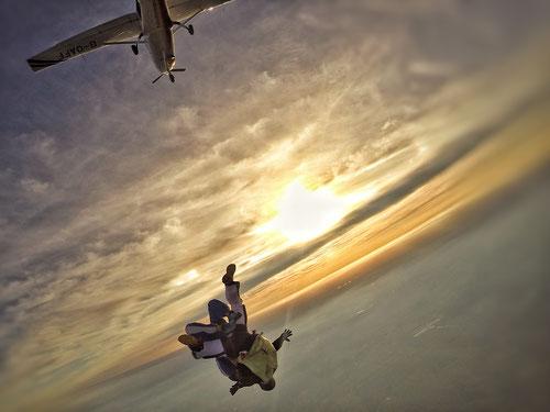 Exit aus 4500m Höhe aus einer SkyVan über Cottbus
