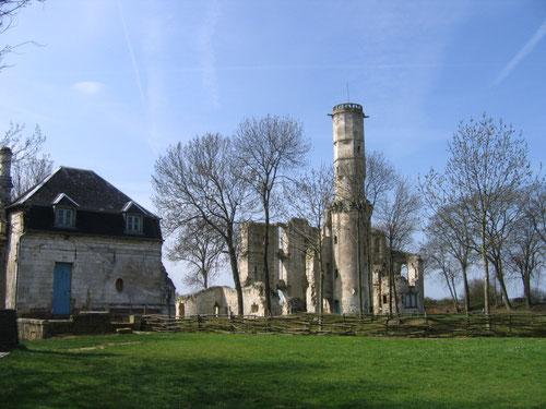 Le château et le pavillon des gardes