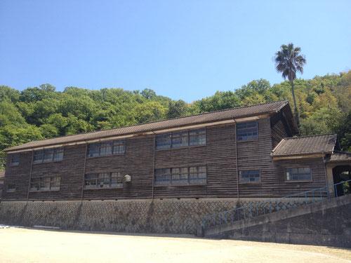 今でも現役の木造校舎