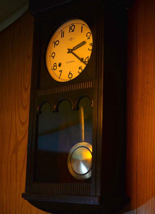 ゼンマイ壁掛け時計