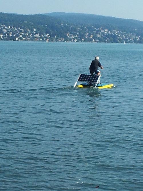 Erfolgreiche Testfahrt mit Hydro-Solar-Bikes
