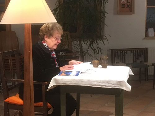20. Dez. 2017 - Elisabeth Hradil - Autorinnenlesung