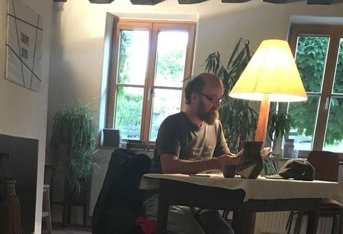 """7. Juni: Johannes Kastinger liest aus """"HANDWERK"""" von Richard Sennett"""