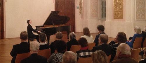 Valentin FHEODOROFF, Beethoven-Preisträger 2013, am 7. Feb. 2015 zu Gast bei beethoven:complete
