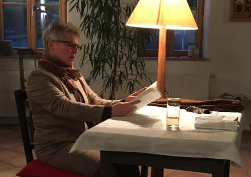 """26. April: Karin Lenglachner liest aus """"AufBrüche - Geschichten vom Ende der Gemütlichkeit"""" von Marion Jerschowa"""