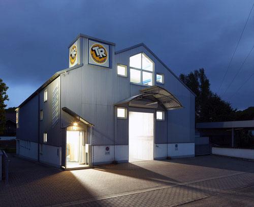 Firmensitz mit Lager und Ausstellung in KL Erlenbach