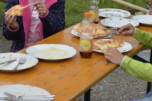 Pizza genießen - Sommer-Ferienprogramm St. Georgen bei Salzburg - Camilla Harfmann