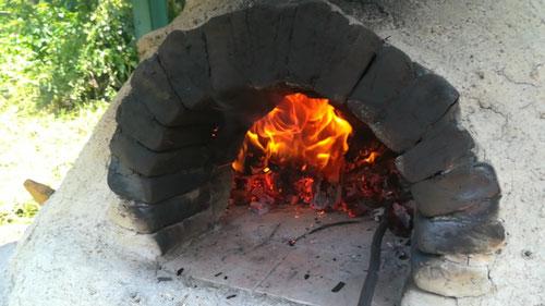 Kurse, Wanderunungen und Freizeitaktivitäten in Salzburg und Oberösterreich: Lehmofenbau mit Gruppen
