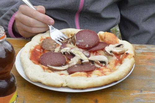 Lehmofen-Pizza Variante 2 - Sommer-Ferienprogramm St. Georgen bei Salzburg - Camilla Harfmann