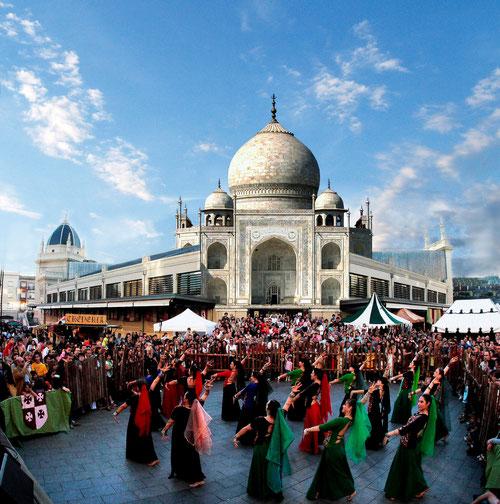 Taj Mahal al Mercat Central. (Danses Bollywood a la festa Medievàlia)