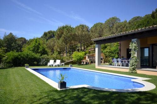louer une maison pour les vacances à Begur.  Maison pour 8 personnes avec jardin et piscine pour de belles vacances à vacances