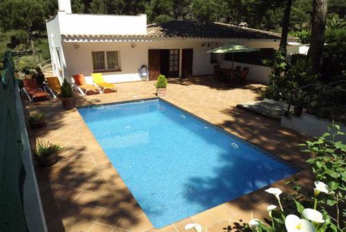 louer une maison à begur avec piscine privée jardin 2 chambres